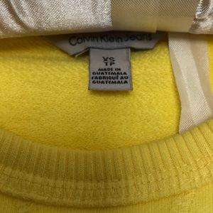 Calvin Klein Tops - Calvin Klein sweatshirt